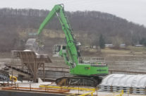 Watco Upsizes SENNEBOGEN To 875 At Cincinnati Salt Terminal